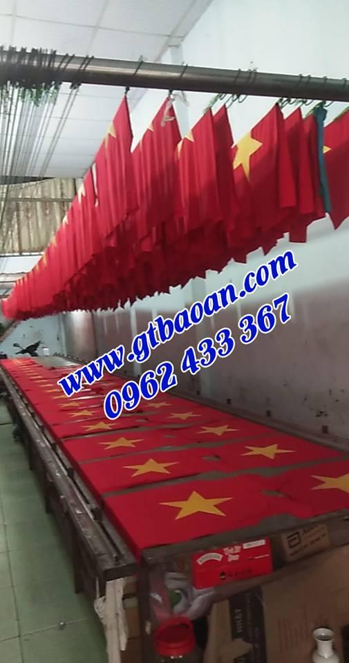 xưởng in áo thun cờ đỏ sao vàng