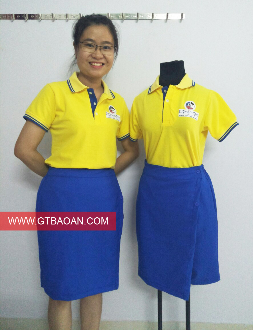 Đồng phục áo thun và chân váy cô giáo