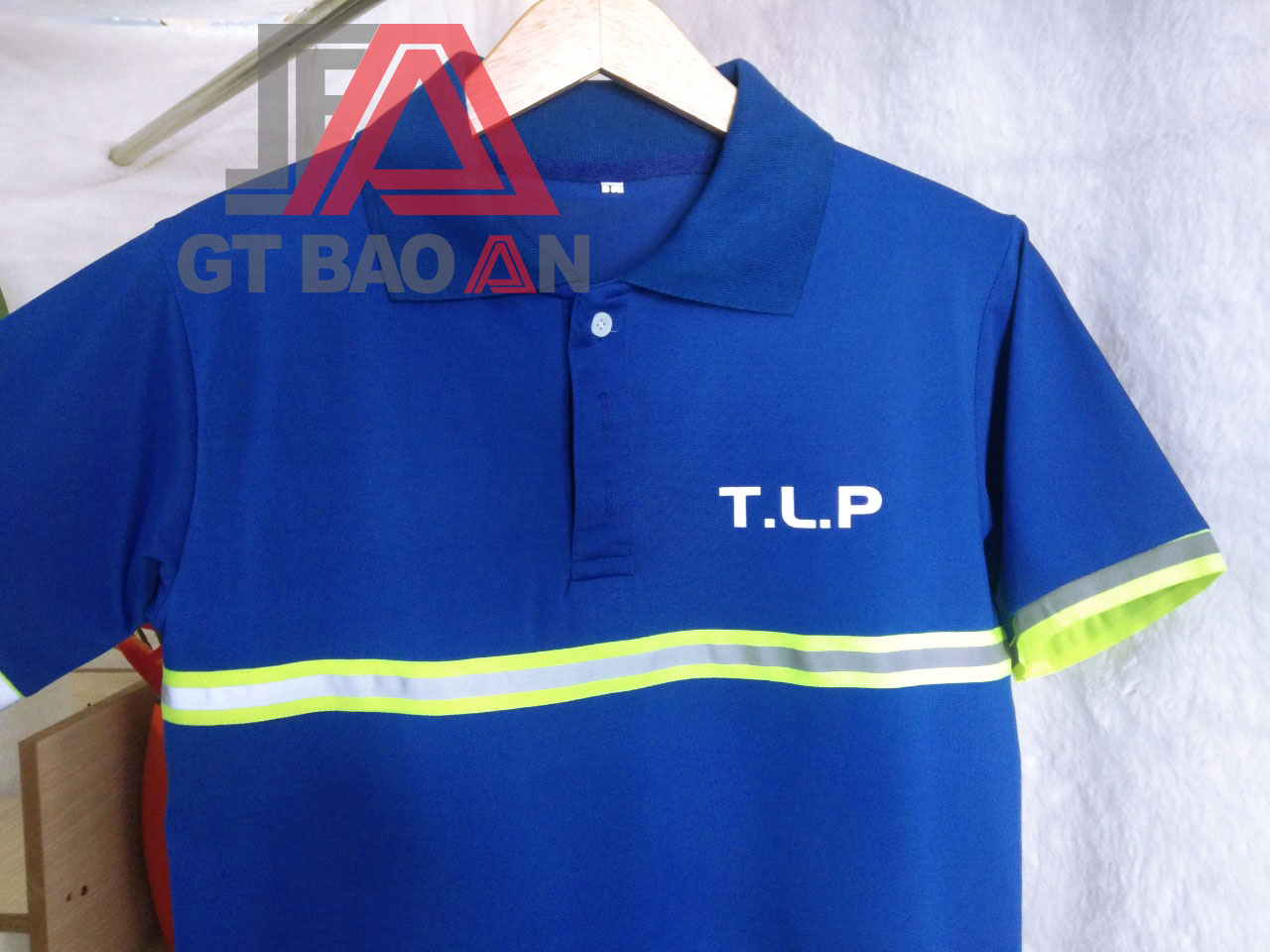 Áo thun đồng phục nhân viên công ty TLP